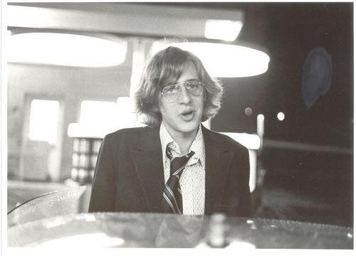 1973_sander_gas_station